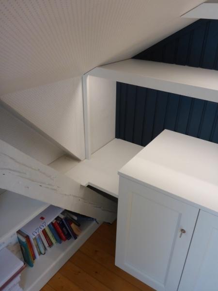 Anpassung-an-Dachschräge-und-Dachbalken