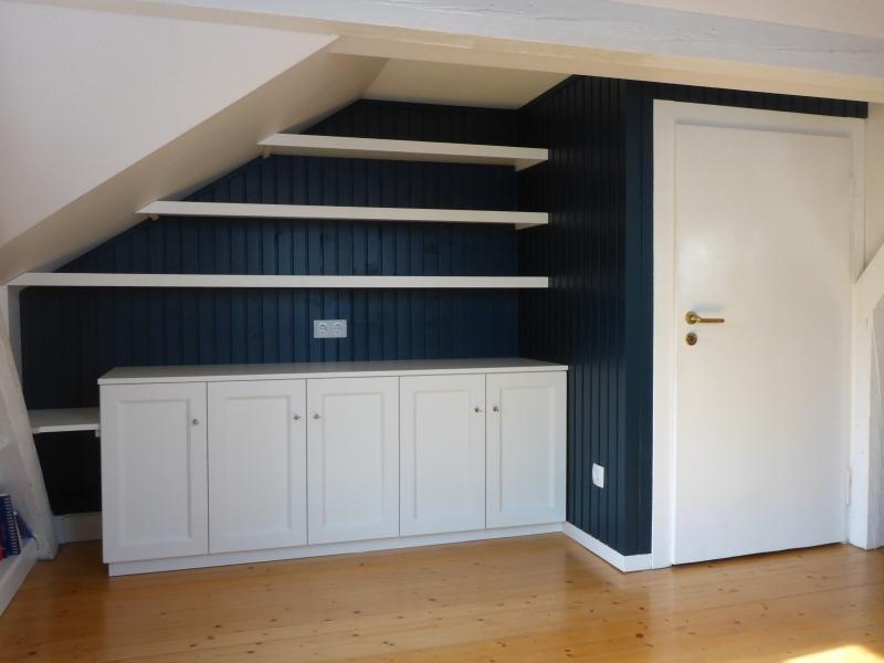 Sideboard-Bücherregal