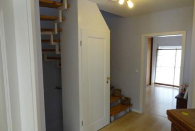 """Kunde ruft uns zur Hilfe: """"Mein Treppengeländer gefällt mir nicht mehr und ich will mein Treppenauge als Garderobe und Stauschrank nutzen"""" - Schreinerei, Möbel, individuell, hochwertig, Rein-Main-Neckar-Kreis"""